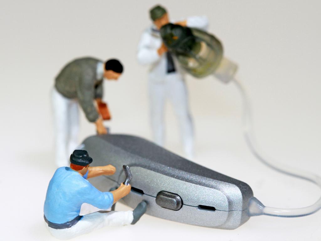 Limpieza y reparación de audífonos